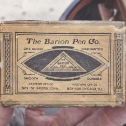 Great type find by @moderngiant ??? The Barion Pen Co.